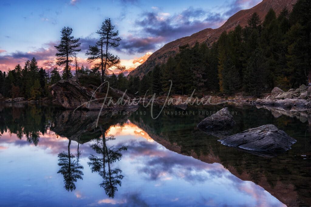 Spiegelung vor dem Sonnenaufgang