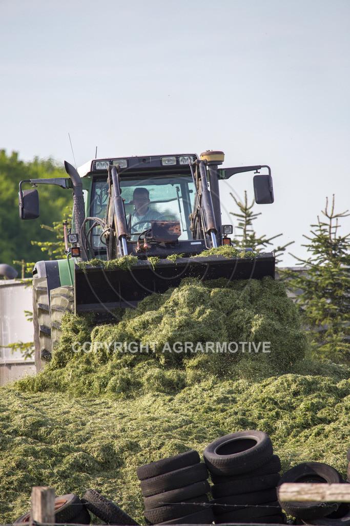 20150511-IMG_1527 | Gras silieren - AGRARMOTIVE Bilder aus der Landwirtschaft