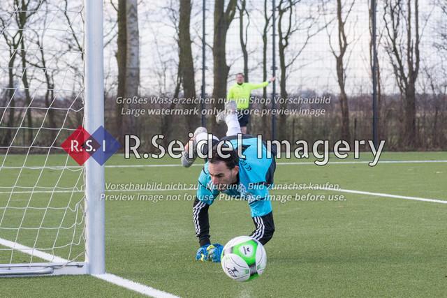 Fußball, Herren, Kreisliga 3, ETSV Hamburg II - SC Vier- und Marschlande III., Mittlerer Landweg, 01.03.2020   Andre Sjuts (#1, SCVM, Torwart)