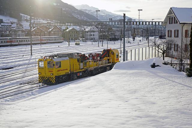 RhB Xmf 6/6 24401 | Der Fahrleitungswagen befindet sich in der Einfahrt zum Bahnhof Chur.