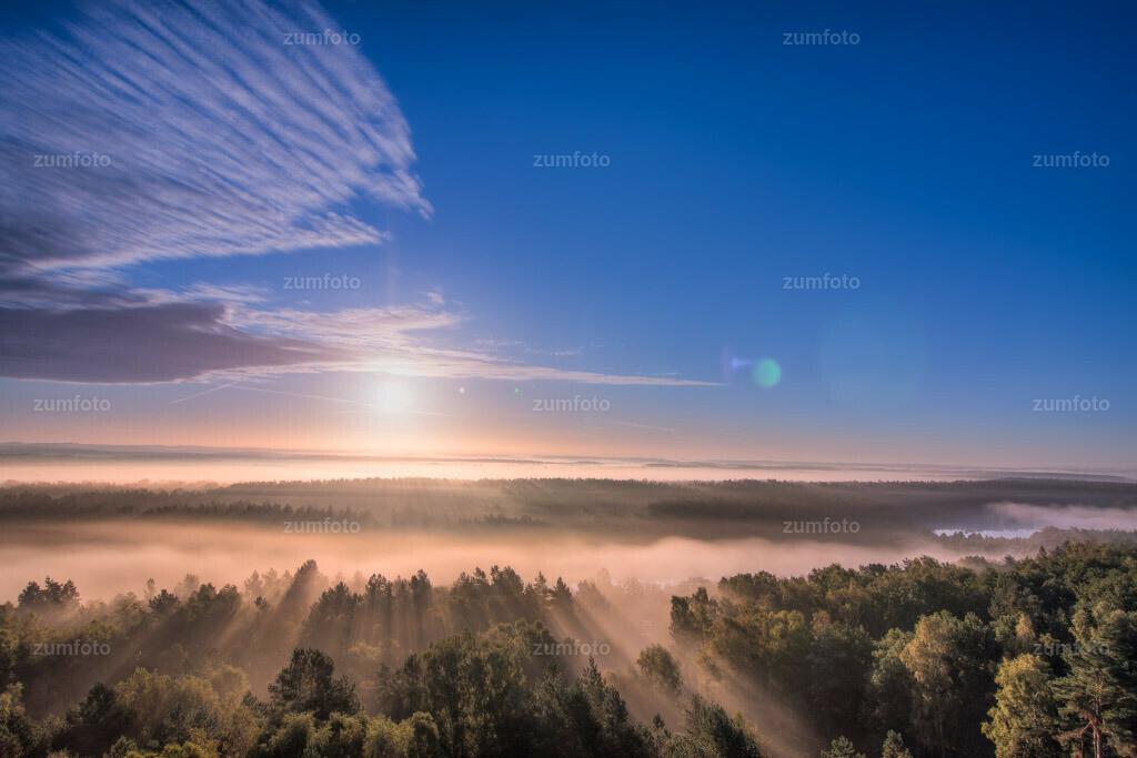 0-110924_0633-4818-26 | Sonnenaufgang über dem Großen Zillmannsee mit Nebel über den Seen --Dateigröße 3888 x 2592 Pixel--