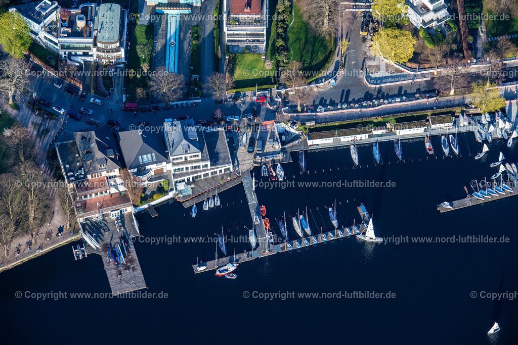 Hamburg_Uhlenhorst_Bootsanleger_ELS_4905200421 | HAMBURG 20.04.2021 Sportboot- Anlegestellen und Bootsliegeplätzen des