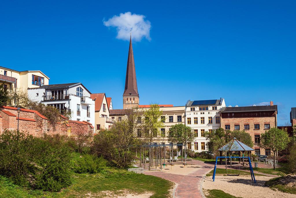 rk_05969 | Blick auf die Petrikirche in der Hansestadt Rostock.