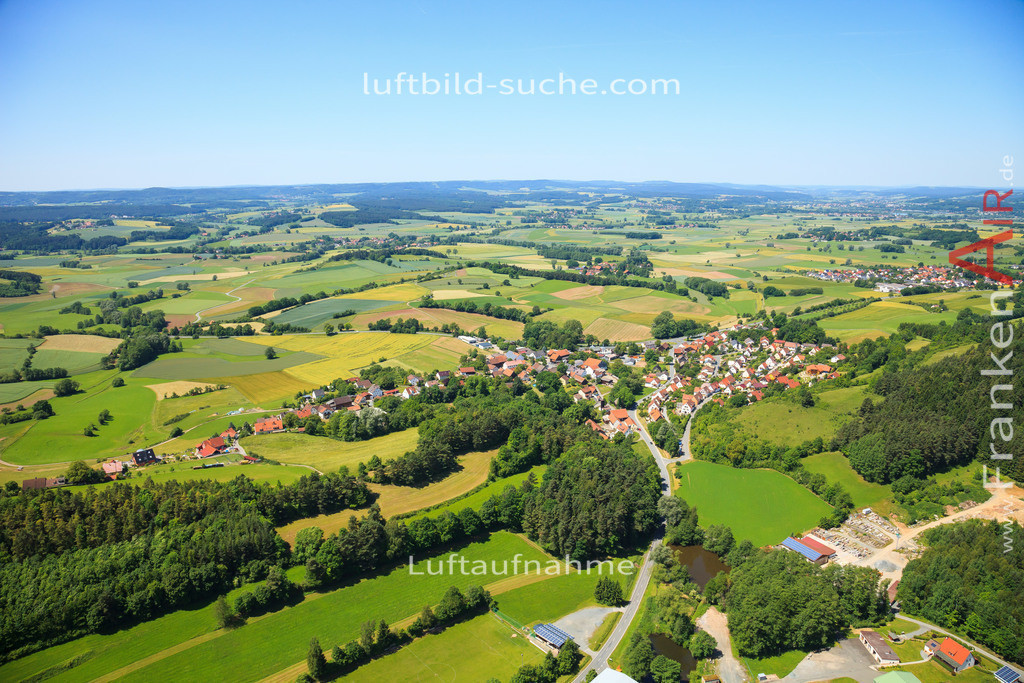 leuchau-kulmbach-2014-3054   Luftbild von Leuchau Kulmbach - Luftaufnahme wurde 2014 von https://frankenair.de mittels Flugzeug (keine Drohne) erstellt - die Geschenkidee