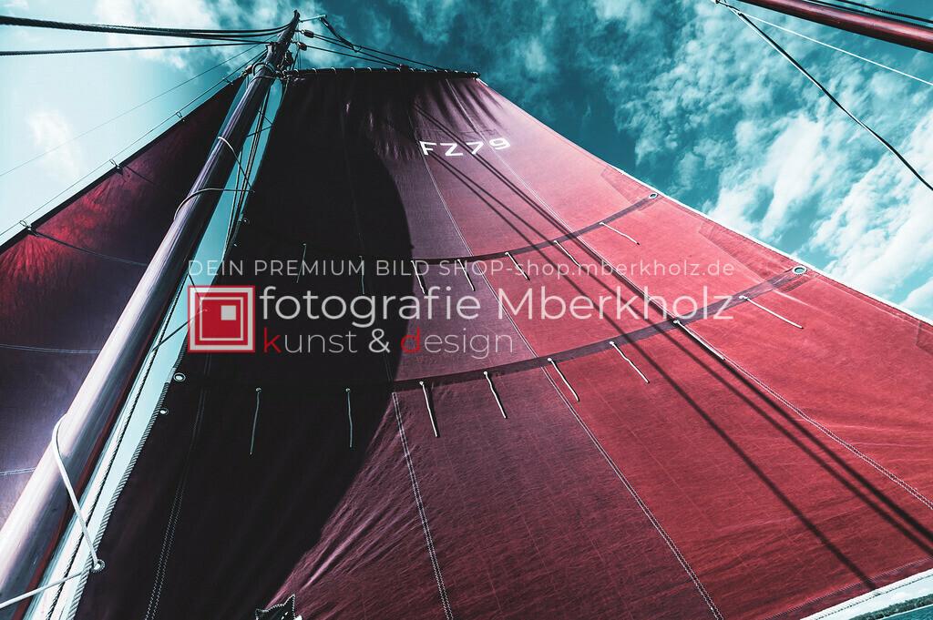 @Marko_Berkholz_mberkholz_MBE6817 | Die Bildergalerie Zeesenboot | Maritim | Segel des Warnemünder Fotografen Marko Berkholz zeigt maritime Aufnahmen historischer Segelschiffe, Details, Spiegelungen und Reflexionen.