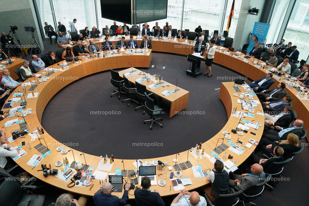 Medienkonferenz Bundestag Plenum Saal freie alternative Medien bei der AfD Fraktion am 10. Mai 2019 im Bundestag (4)