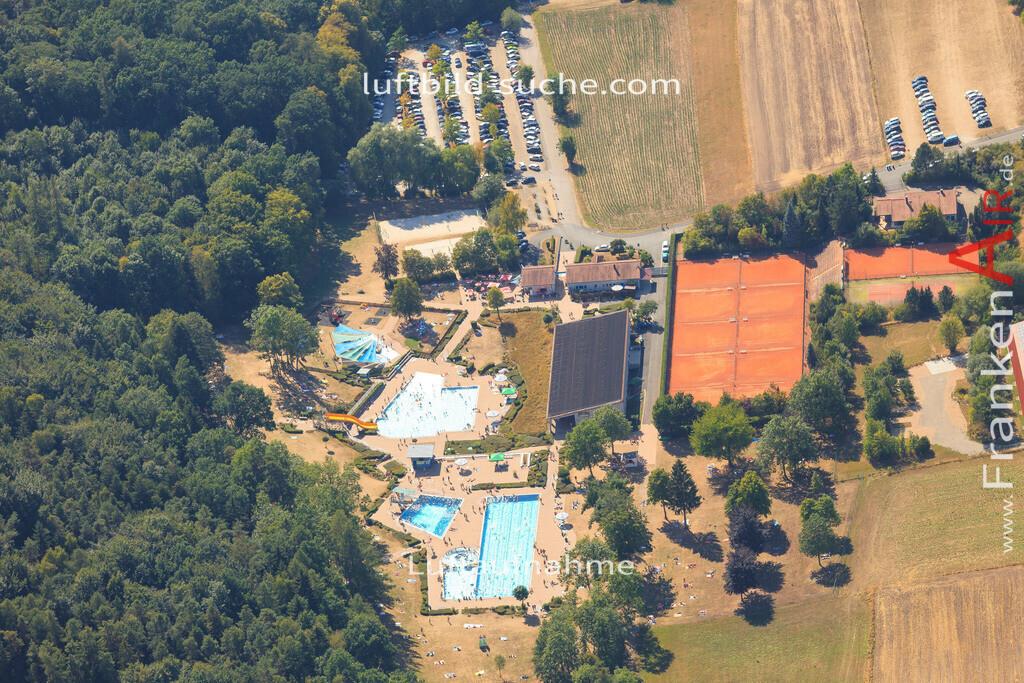 freibad-schwimmbad-neustadt-2015-1553 | Luftbild von Freibad-schwimmbad Neustadt - Luftaufnahme wurde 2015 von https://frankenair.de mittels Flugzeug (keine Drohne) erstellt - die Geschenkidee