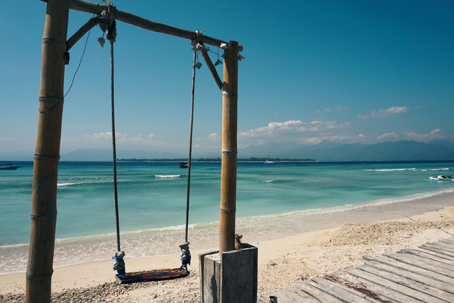 Swing of Life | Traumhafter Stand auf der Insel Gili Air in Indonesien