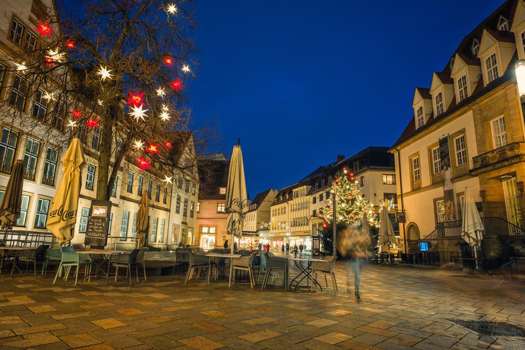 Weihachten auf dem Alten Markt | Weihnachten auf dem Alten Markt in Bielefeld an einem Samstagabend im Dezember 2020.