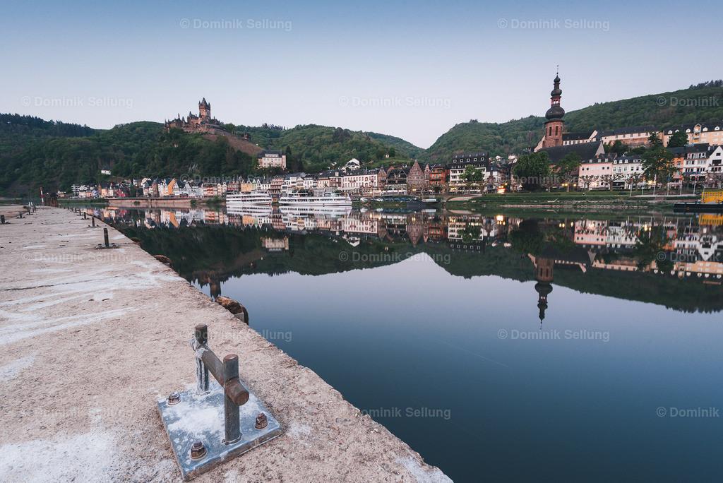 Chaludus I | Blick auf die Reichsburg vom Ufer