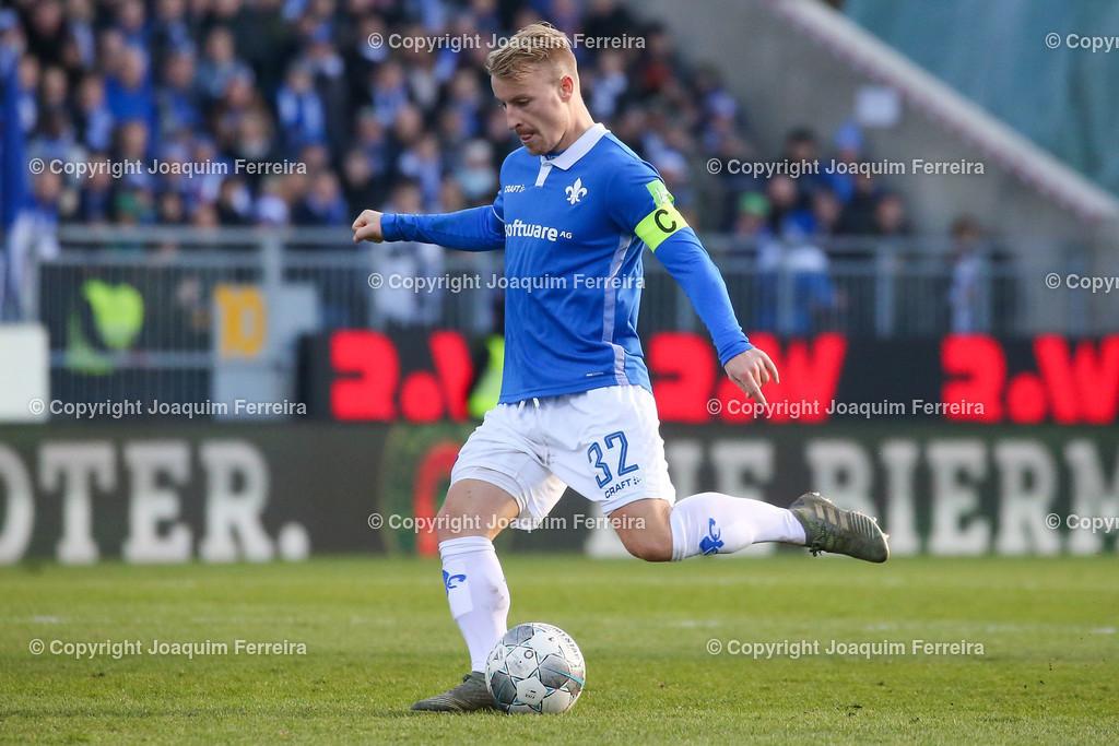 191221svdvshsv_1061 | 21.12.2019 Fussball 2.Bundesliga, SV Darmstadt 98-Hamburger SV emspor, despor  v.l.,  Fabian Holland (SV Darmstadt 98), FREISTELLER    (DFL/DFB REGULATIONS PROHIBIT ANY USE OF PHOTOGRAPHS as IMAGE SEQUENCES and/or QUASI-VIDEO)