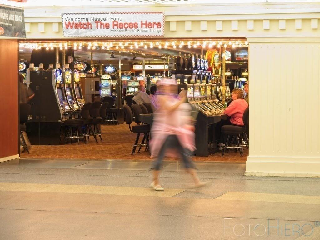 Watch The Races Here | Watch The Races Here, Spielsalon auf der Fermond Street Las Vegas