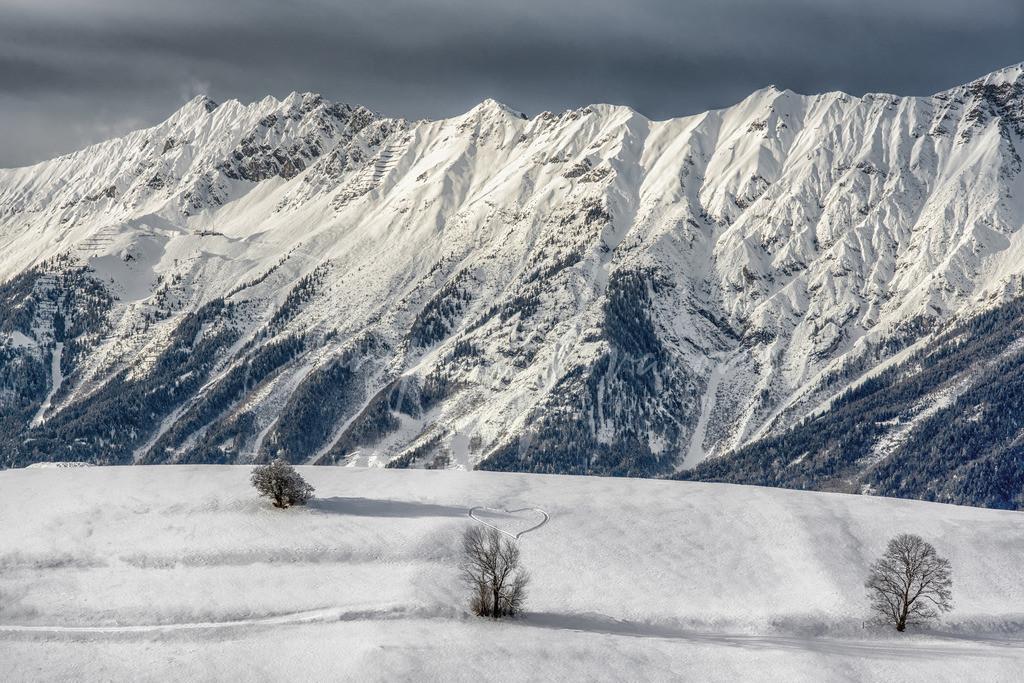 Nordkette   Blick auf die tief verschneite Nordkette