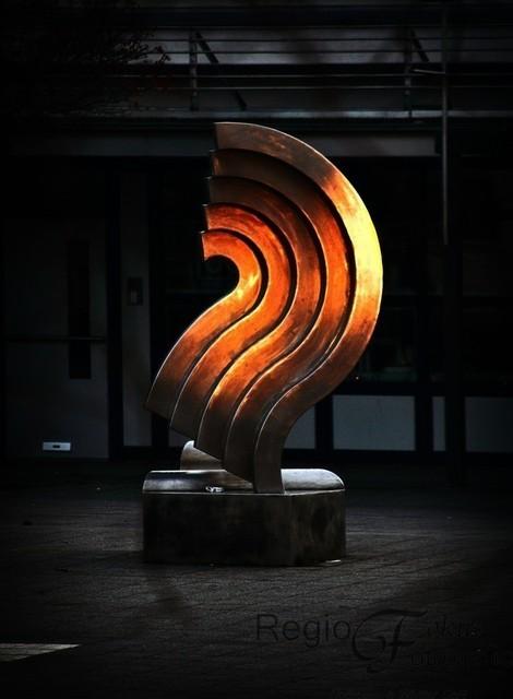 Aurora im Sonnenuntergang | Die Skulptur