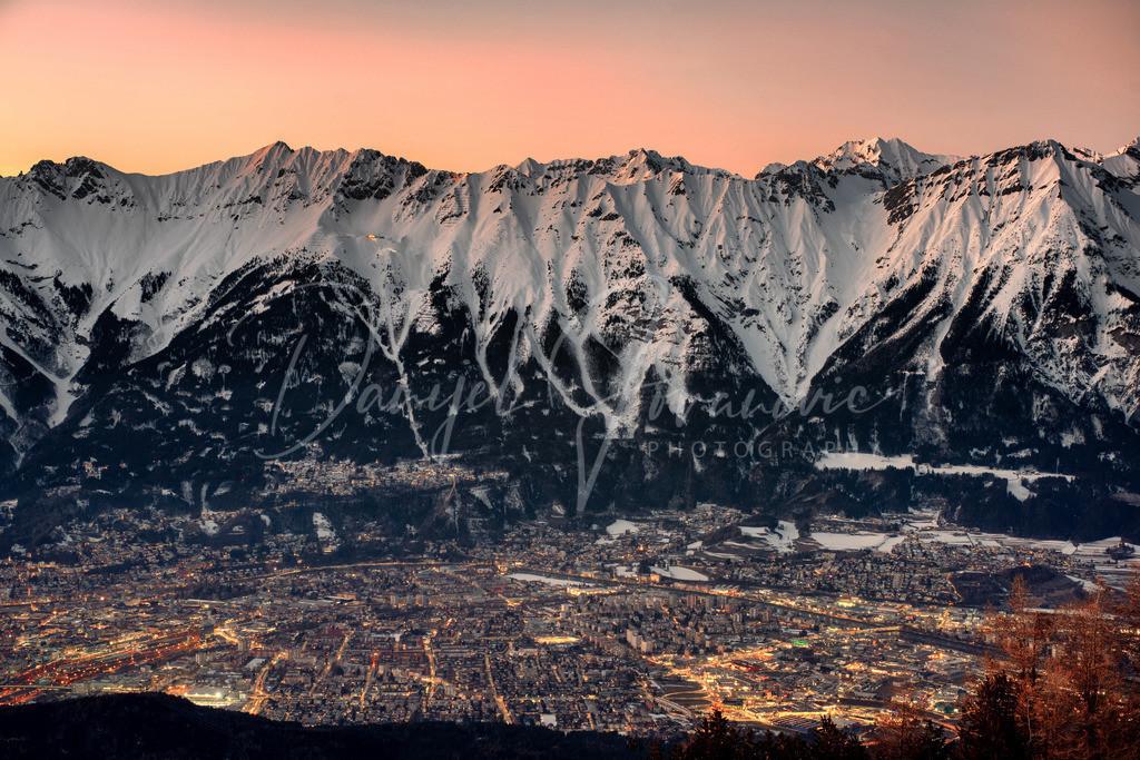 Abendstimmung | Abendstimmung im tief winterlichem Innsbruck