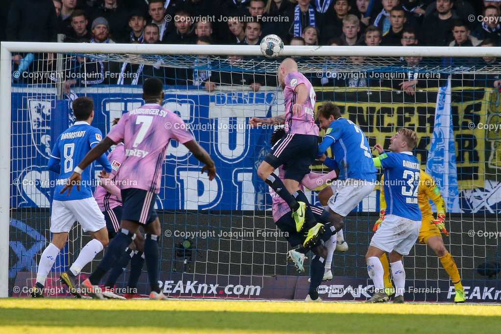 191221svdvshsv_1320 | 21.12.2019 Fussball 2.Bundesliga, SV Darmstadt 98-Hamburger SV emspor, despor  v.l.,  nicht gegebene Tor zum 2:3 Rick van Drongelen (Hamburger SV)    (DFL/DFB REGULATIONS PROHIBIT ANY USE OF PHOTOGRAPHS as IMAGE SEQUENCES and/or QUASI-VIDEO)