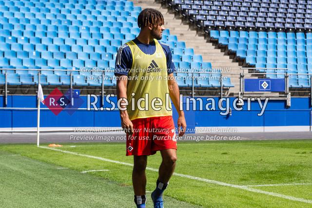 Fußball, Herren, Testspiel, Hamburger SV - FC Hansa Rostock, Volksparkstadion, 09.08.2020 | Josha Vagnoman (#27 HSV)
