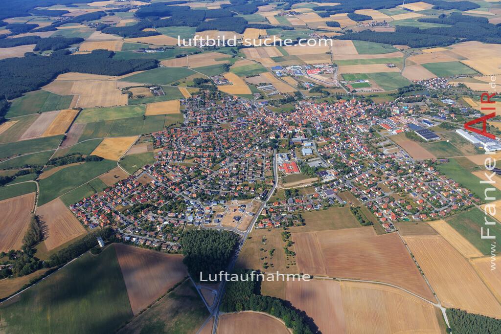 markt-erlbach-2015-2241 | Luftbild von  Markt-erlbach - Luftaufnahme wurde 2015 von https://frankenair.de mittels Flugzeug (keine Drohne) erstellt - die Geschenkidee