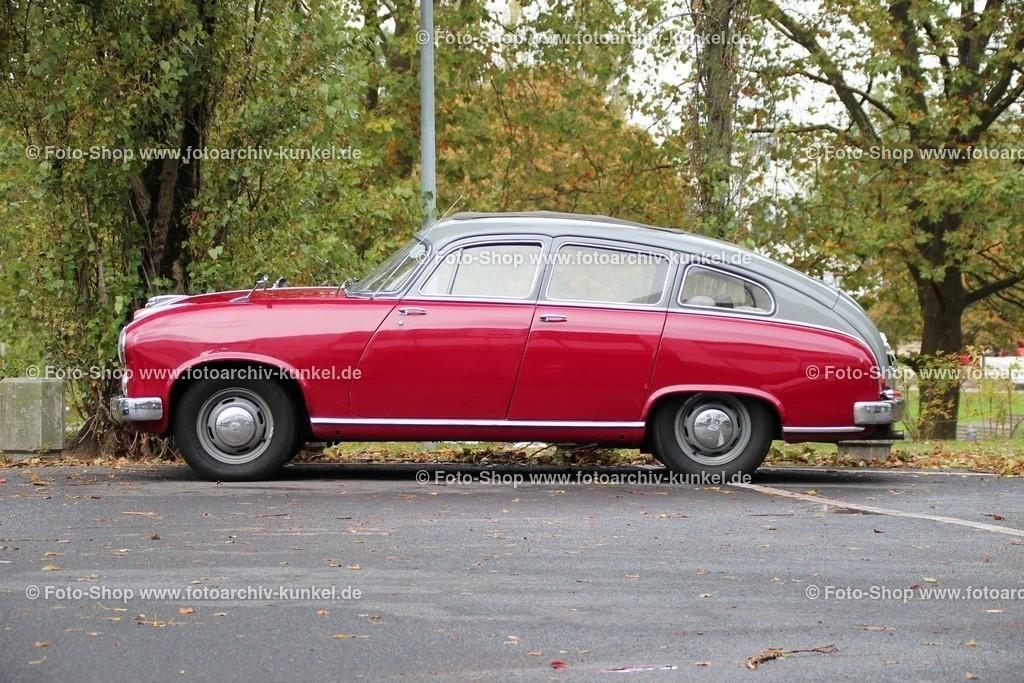 Borgward Hansa 2400 S Fließheck-Limousine 4 Türen, 1954   Borgward Hansa 2400 S Fließheck-Limousine 4 Türen, Farbe: Rot/Grau, Baujahr 1954, Bauzeit des Hansa 2400: 1952-1958, Bauzeit der Hansa 2400 Schrägheck-Limousine: 1952-1955, wassergekühlter 6-Zylinder-Reihenmotor, Hubraum: 2337 cm³, Leistung 82 PS bei 4500 U/min, Vmax. 150 km/h, Sport, Hersteller: Borgward-Werke AG, Deutschland, BRD