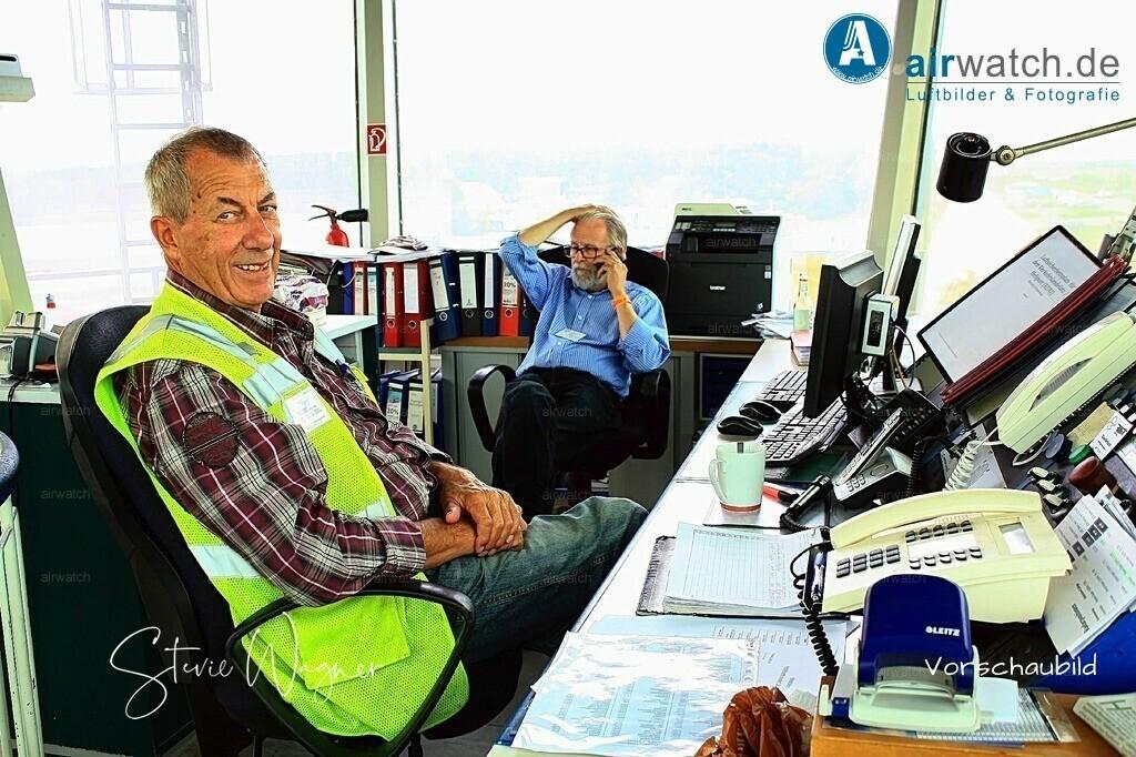 Flughafen Husum, Service-Team,  Juergen Wollenweber, Hasso v. Dammann | Flughafen Husum, Service-Team,  Juergen Wollenweber, Hasso v. Dammann • max. 6240 x 4160 pix