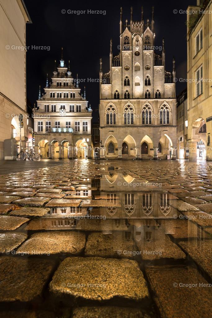 Münsters Herz | Spiegelung Historisches Rathaus Münster