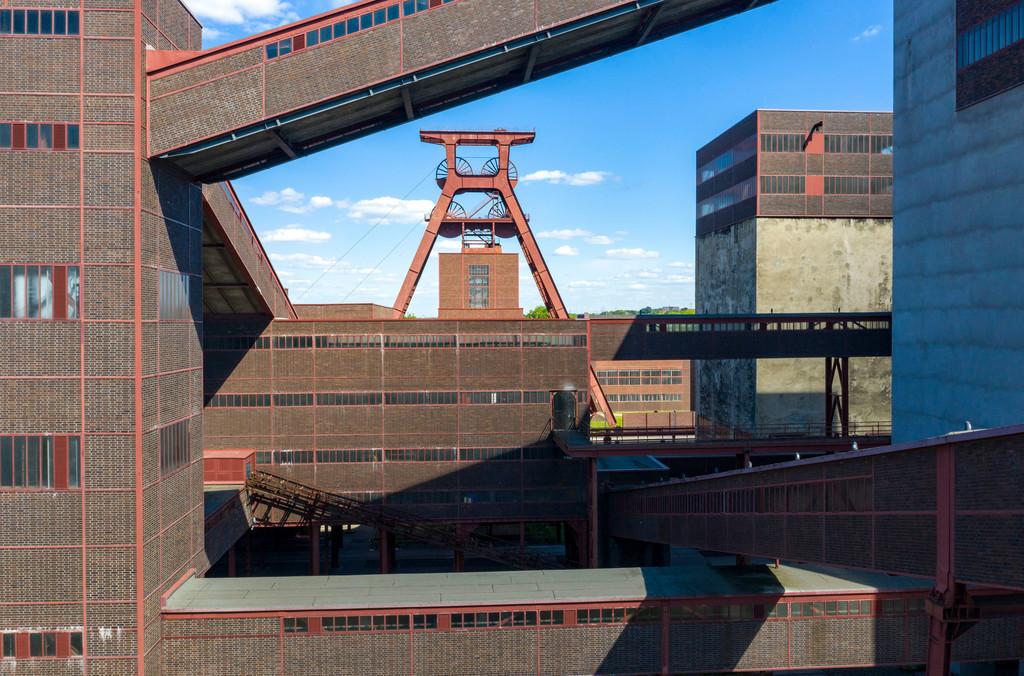 JT-200601   Welterbe Zeche Zollverein,  Doppelbock Fördergerüst, Schacht 12, Essen, Deutschland,