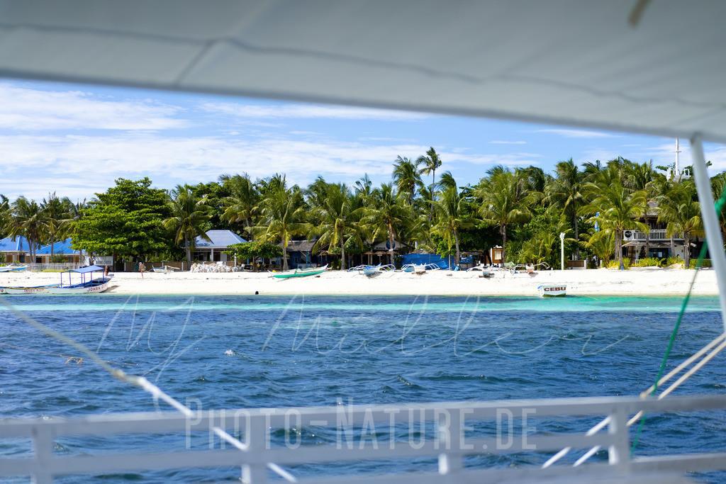Ein wunderschöner Strand | Ein herrlicher Strand von einem Boot aus auf den Philippinen fotografiert