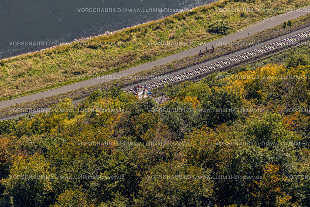 Beverungen200911569Weser-SkywalkHannoverscheKlippen | Luftbild, Weser-Skywalk und Hannoversche Klippen, Fluss Weser, Würgassen, Beverungen, Ostwestfalen-Lippe, Nordrhein-Westfalen, Deutschland