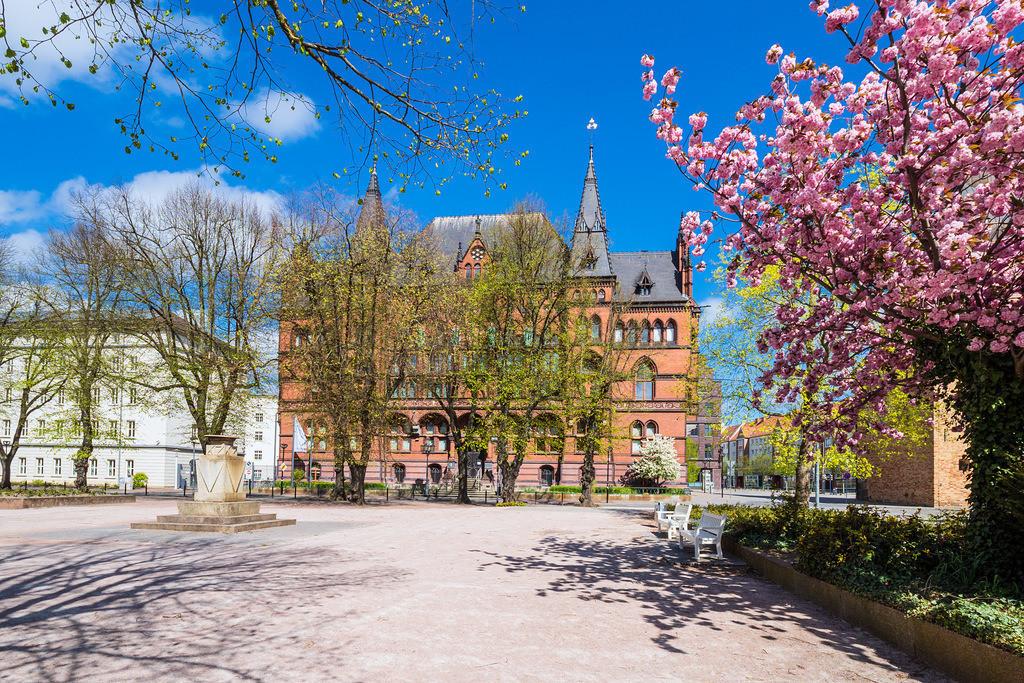 Das Ständehaus in der Hansestadt Rostock im Frühling   Das Ständehaus in der Hansestadt Rostock im Frühling.