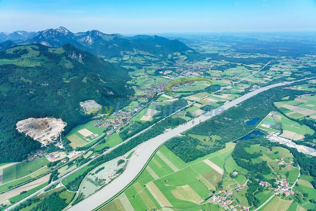 luftbild-inntal-nussdorf-brannenburg-bruno-kapeller-07 | Luftaufnahme vom bayrischen Inntal zwischen Heuberg und Wendelstein an der Grenze zu Tirol.