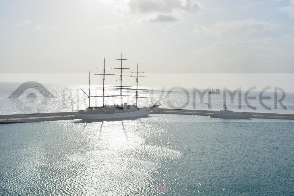 Fotoausstellung Meer Bilder | Segelschiff am Horizont