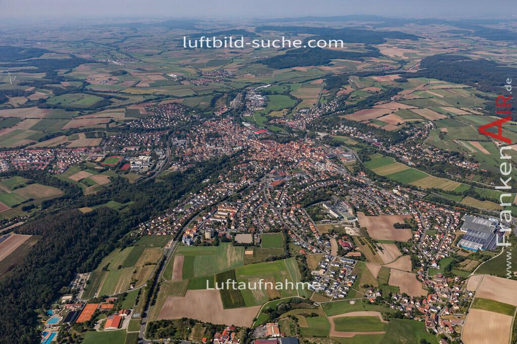 neustadt-aisch-19-305   aktuelles Luftbild von  Neustadt-aisch - Luftaufnahme wurde 2019 von https://frankenair.de mittels Flugzeug (keine Drohne) erstellt.