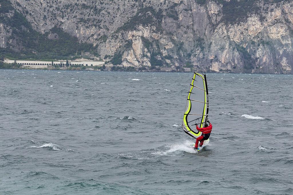 Windsurfer im Gardasee
