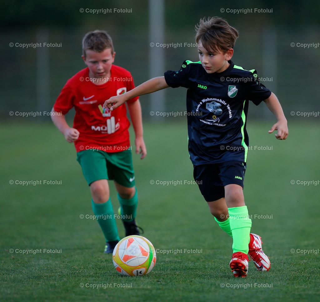 A_LUI27092021_32 | SPORT,FUSSBALL, FC WELS_SC HOERSCHING U 9 27.09.2021 IM BILD: SCHWARZ (HOERSCHING) UND ROT (FC WELS )FOTO:FOTOLUI
