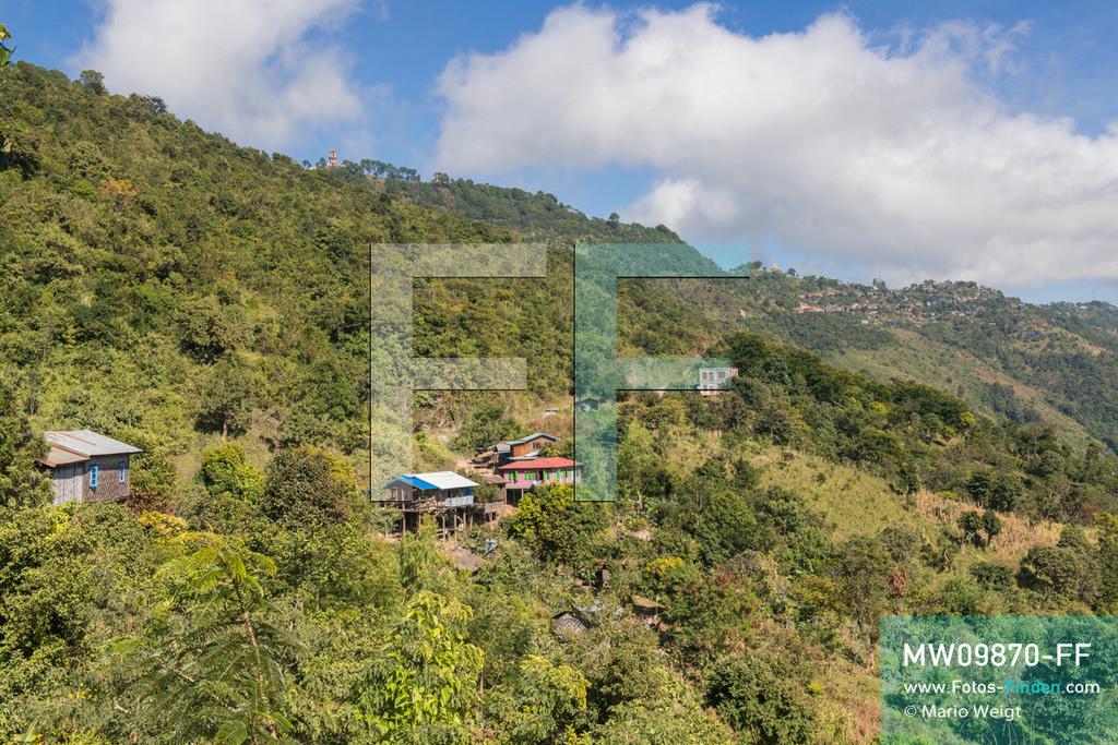 MW09870-FF   Myanmar   Mindat   Reportage: Mindat im Chin State   Malerische Berglandschaft bei Mindat. Der Ort liegt auf einem Bergkamm in 1.400 Meter Höhe. Hier und in den umliegenden Dörfern lebt die Volksgruppe der Chin.  ** Feindaten bitte anfragen bei Mario Weigt Photography, info@asia-stories.com **