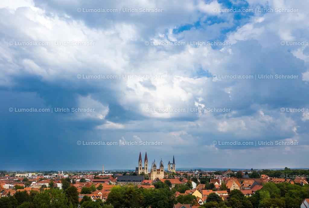 10049-50719 - Gewitterstimmung über Halberstadt