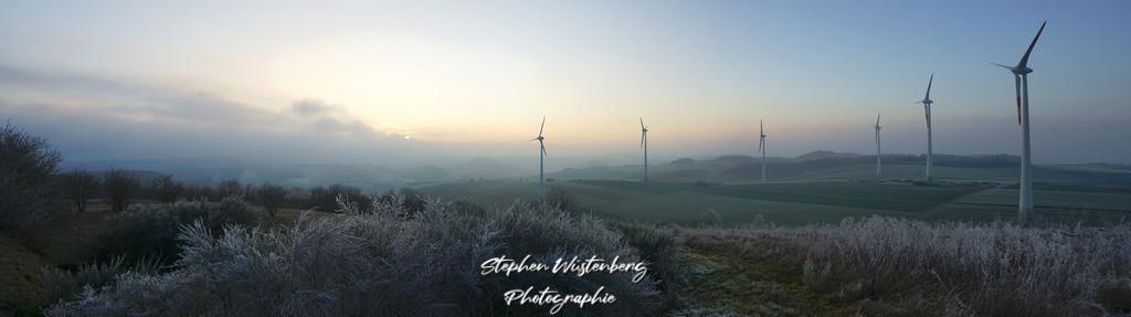 Windradensemble bei Karlshöheq | Windradensemble in der blauen Stunde bei Karlshöhe