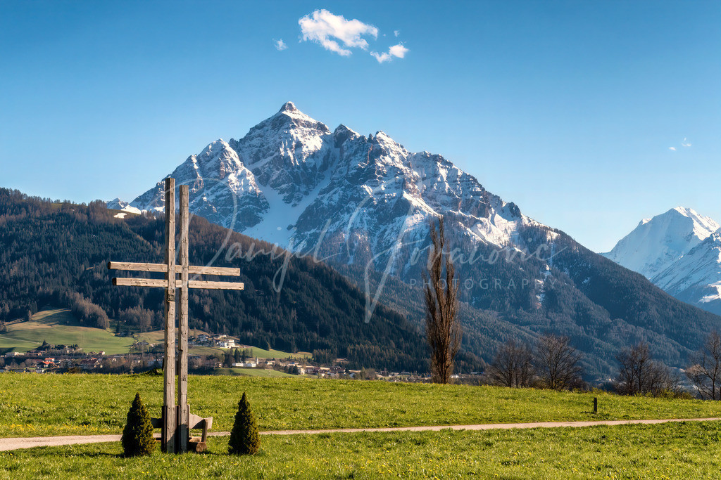 Serles | Frühlingsblick zur Serles