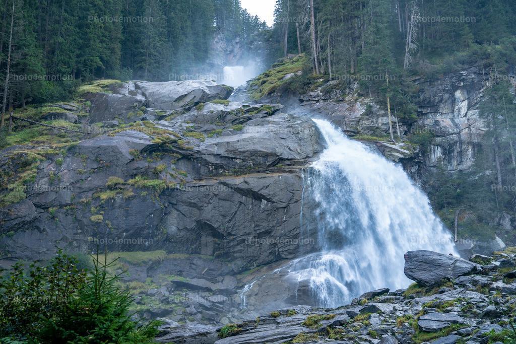 Krimmler Wasserfälle | die unbändige Kraft des Elementes wasser hautnah erleben: Mit einer Fallhöhe von 380 Metern zählen die Krimmler Wasserfälle zu den eindrucksvollsten Naturschauspielen der Welt.