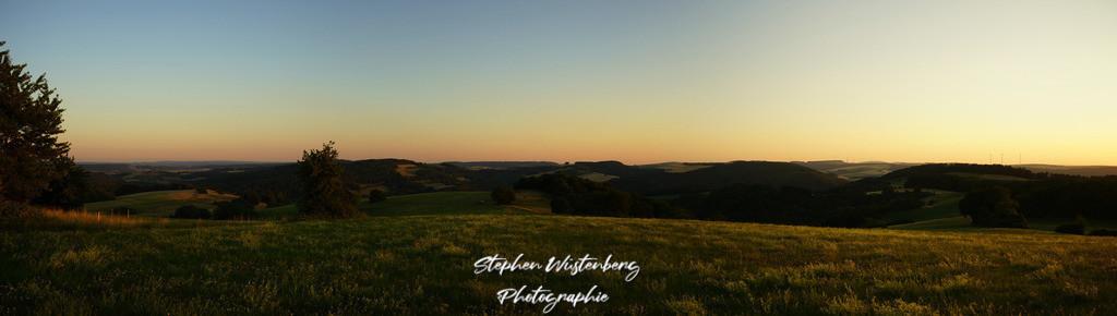 Glowing Pfalz   Panorama glühender Horizont beim Reiterhof Schweisweiler