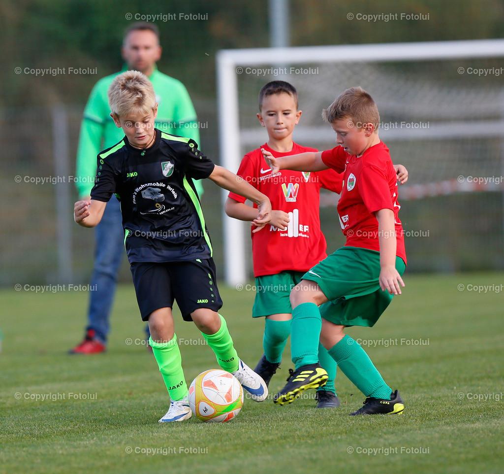 A_LUI27092021_10 | SPORT,FUSSBALL, FC WELS_SC HOERSCHING U 9 27.09.2021 IM BILD: SCHWARZ (HOERSCHING) UND ROT (FC WELS )FOTO:FOTOLUI