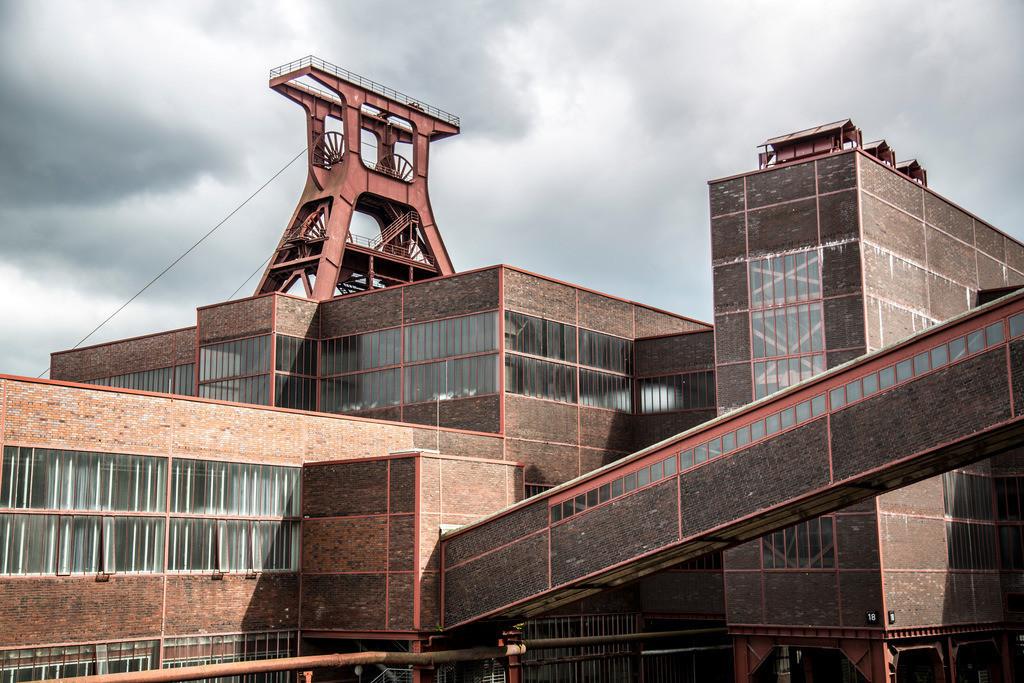 JT-160715-168 | Zeche Zollverein in Essen, UNESCO Welterbe, Doppelbock von Schacht XII,