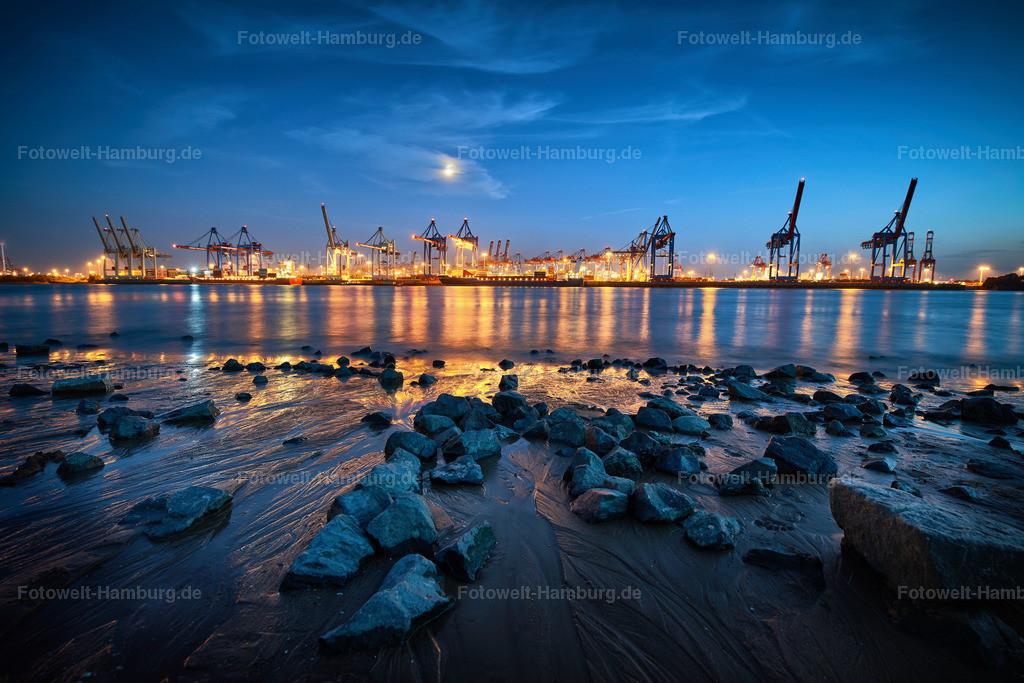 12009775 - Hafenlichter | Nächtliche Stimmung am Elbstrand in Övelgönne