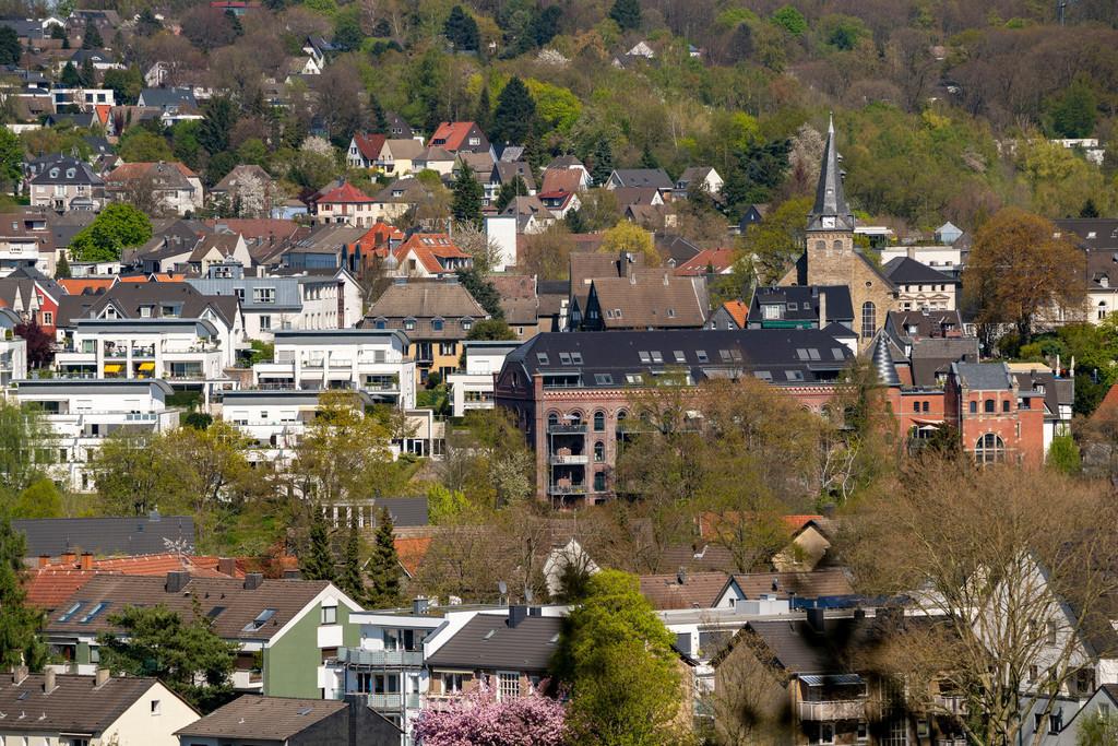 JT-200411-017   Die Altstadt von Essen-Kettwig, im Süden der Stadt, mit der Marktkirche, Essen, Deutschland,