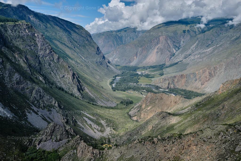 Russland | Blick in das Tschulyschman Tal im Alltai Gebirge