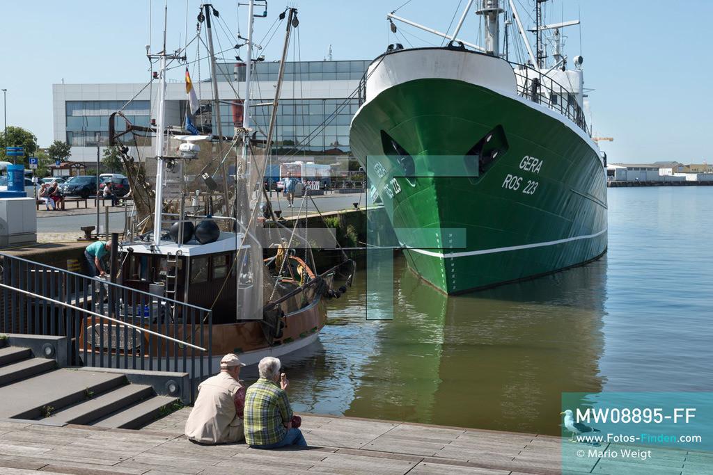MW08895-FF | Deutschland | Niedersachsen | Bremerhaven | Reportage: Reise entlang der Weser | Die 1960 gebaute FMS Gera ist der letzte deutsche Seitentrawler und ein Museumsschiff im