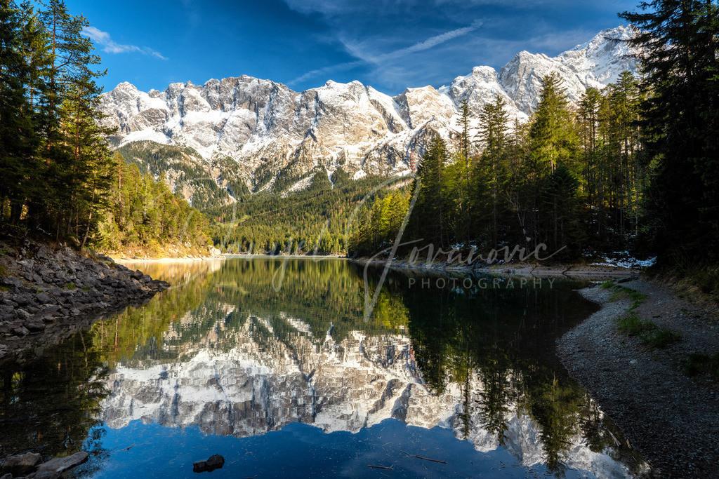 Eibsee | Wunderschön spiegelt sich die Zugspitze im Eibsee