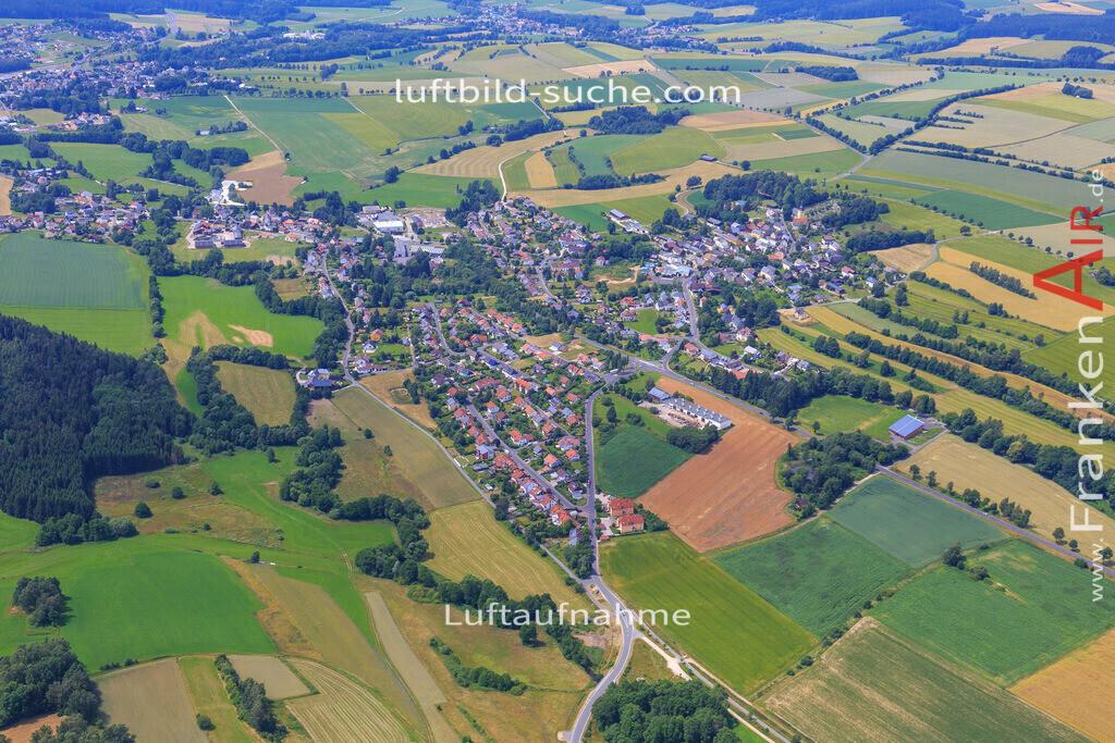 schoenbrunn-wunsiedel-2016-238 | Luftbild von Schoenbrunn Wunsiedel - Luftaufnahme wurde 2016 von https://frankenair.de mittels Flugzeug (keine Drohne) erstellt - die Geschenkidee
