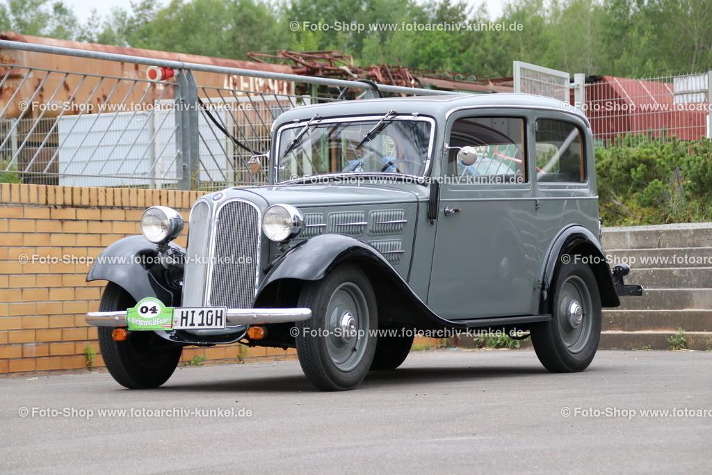 BMW 315 Limousine 2 Türen, 1934-37 | BMW 315 Limousine 2 Türen, Farbe: Grau, Bauzeit 1934-37, Untere Mittelklasse, Hersteller BMW, Werk in Eisenach, Deutschland; technische Daten: 6-Zylinder-Reihenmotor, zwei Solex-Flachstromvergaser, Hubraum 1490 cm³, Leistung 34 PS bei 4000 U/min, 4 Gänge, Mittelschaltung, Hinterradantrieb, Vmax. 100 km/h, Preis einer Limousine mit 2 Türen damals: RM 3750,-