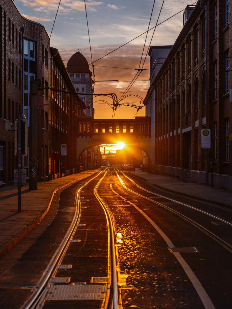 Sonnenaufgang an der Nikolaus-Dürkopp-Straße | Sonnenaufgang an der Nikolaus-Dürkopp-Straße im März.